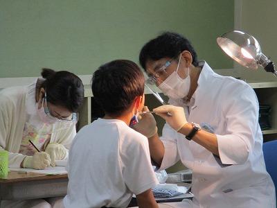 歯科検診を行いました。
