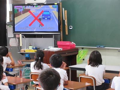 ビデオで交通安全教室